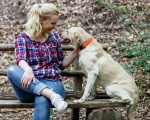 Julia Hartkopf mit Hund Carrot