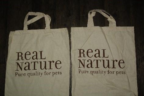 zwei stofftaschen